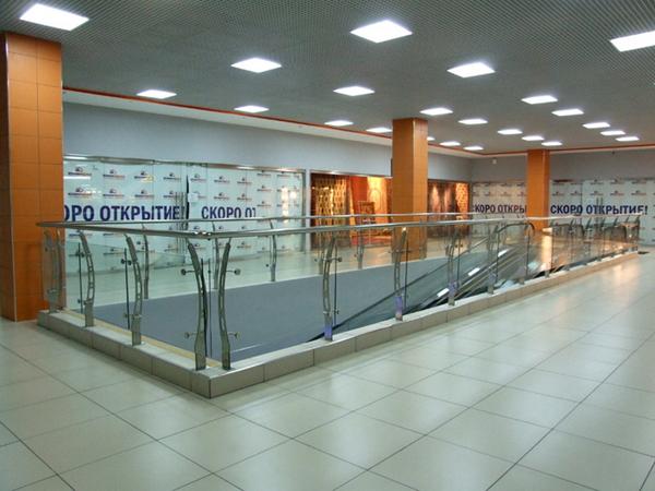 不锈钢玻璃栏杆参数及日常应用