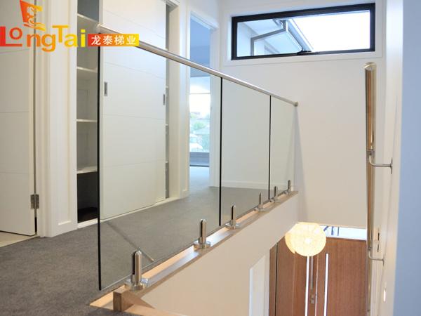 玻璃栏杆立柱