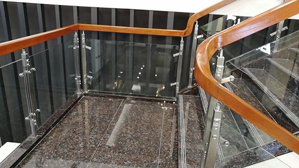 龙泰玻璃栏杆