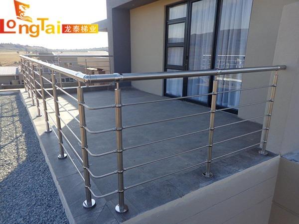 不锈钢圆管护栏