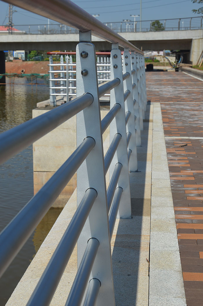 不锈钢栏杆生产