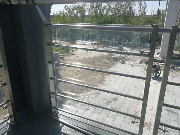 楼梯立柱不锈钢