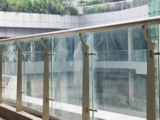 安装不锈钢楼梯扶手立柱的要素有哪些