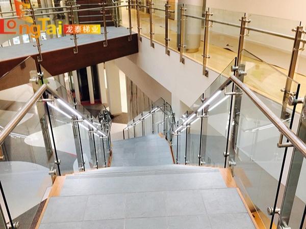 楼梯扶手不锈钢