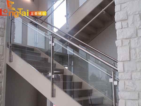 侧装楼梯护栏