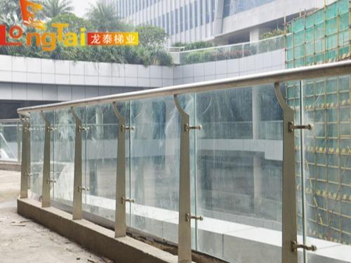 广场不锈钢玻璃护栏