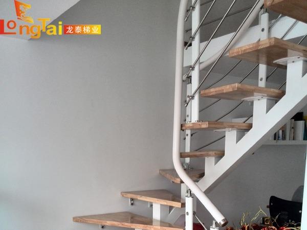 住宅L型楼梯