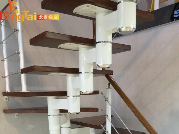家装脊索楼梯