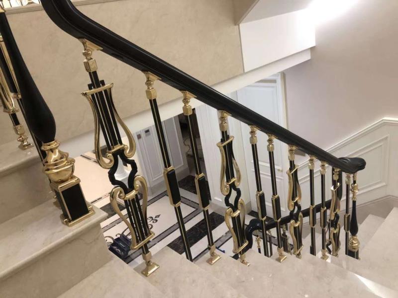高档楼梯栏杆