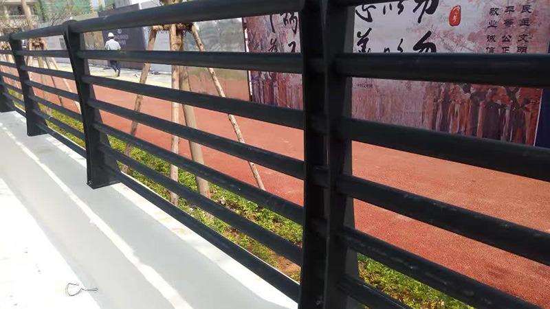 湛江保利护栏采用龙泰不锈钢护栏