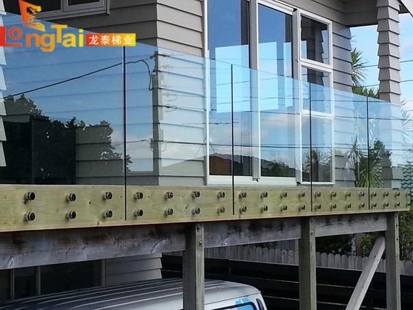 无框玻璃栏杆