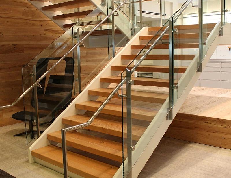 楼梯玻璃护栏