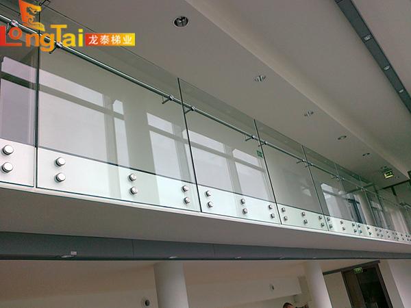玻璃护栏龙泰梯业